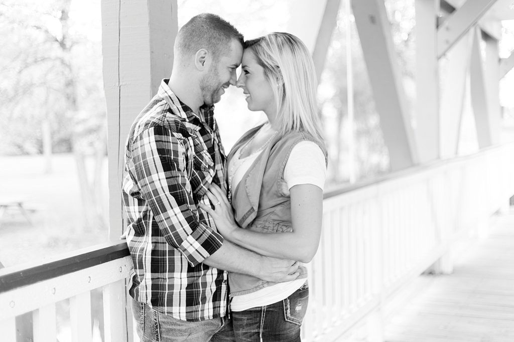 homestead-park-hilliard-ohio-engagement-photographer-005