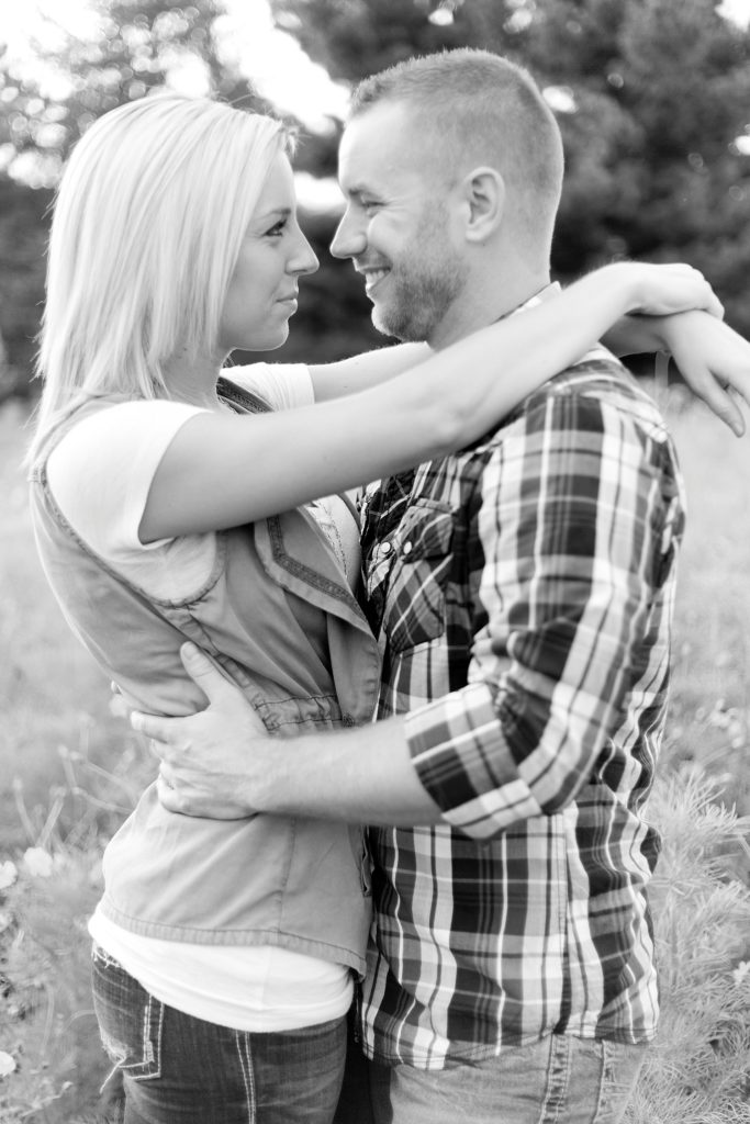 homestead-park-hilliard-ohio-engagement-photographer-019