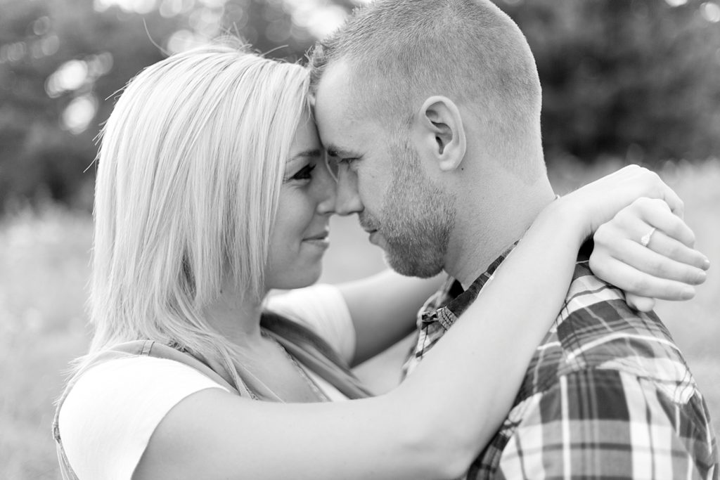 homestead-park-hilliard-ohio-engagement-photographer-024