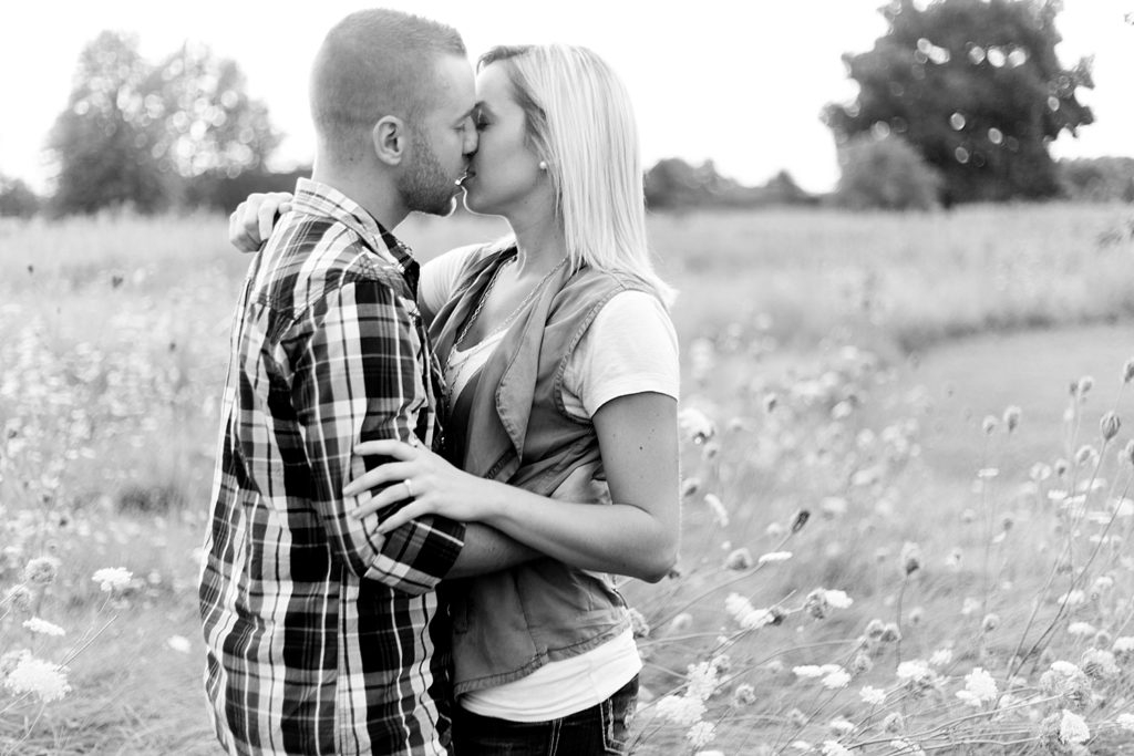 homestead-park-hilliard-ohio-engagement-photographer-076